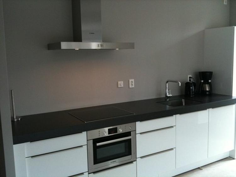 Grijze Keuken Modern : Grijze keuken muur. foto geplaatst door martinefaas op welke.nl