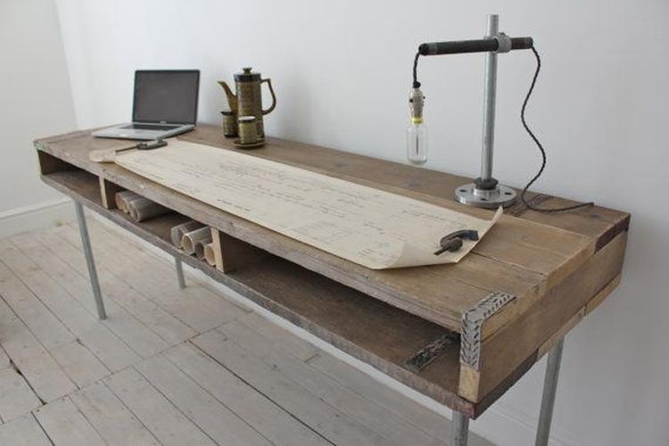 Robuust Houten Bureau.Bureau Van Steigerpijp En Hout Foto Geplaatst Door Aimee84 Op Welke Nl