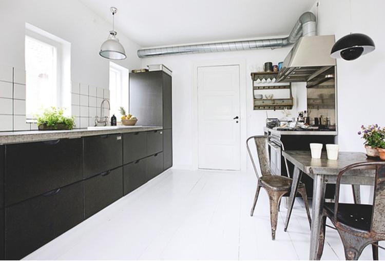 Stoere keuken   inspiratie. foto geplaatst door aimee84 op welke.nl