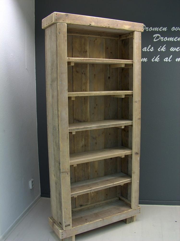 https://cdn2.welke.nl/cache/crop/750/auto/photo/17/45/2/mooie-boekenkast-van-oud-hout-steigerhout-van-jorg-steigerhout-nl.1347886544-van-Kimberley.jpeg
