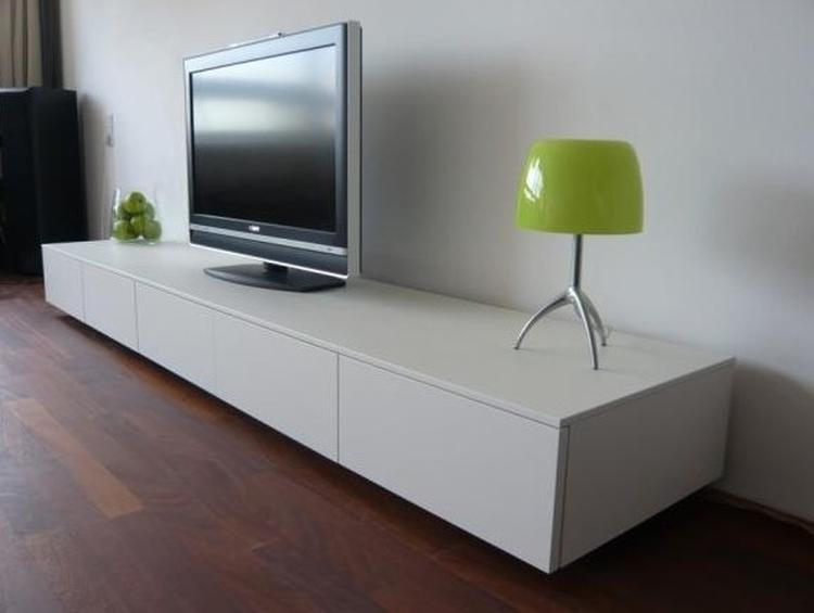 Tv Kast Wit : Tv meubel hoogglans zwart en wit aktie wonen