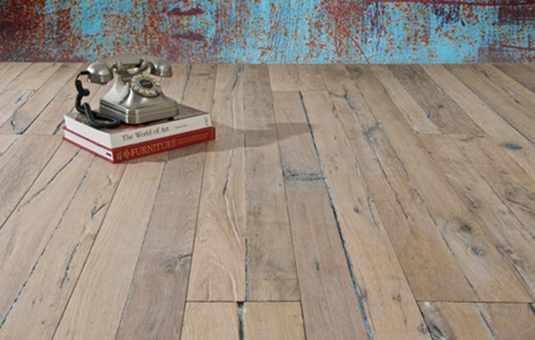 Vergrijsd oud frans eiken planken vloer foto geplaatst door de