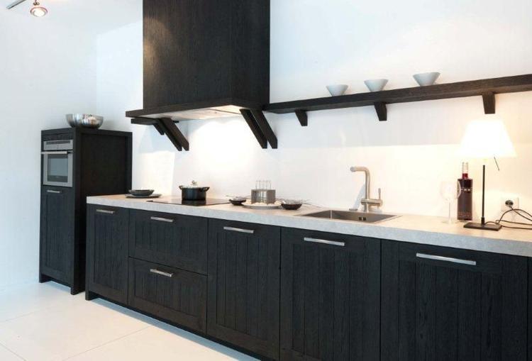 Met Zwart Keuken : Keuken zwart hout foto geplaatst door kimberley op welke