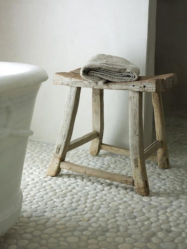 Leuk krukje voor een stoere/landelijke badkamer uitstraling. Foto ...