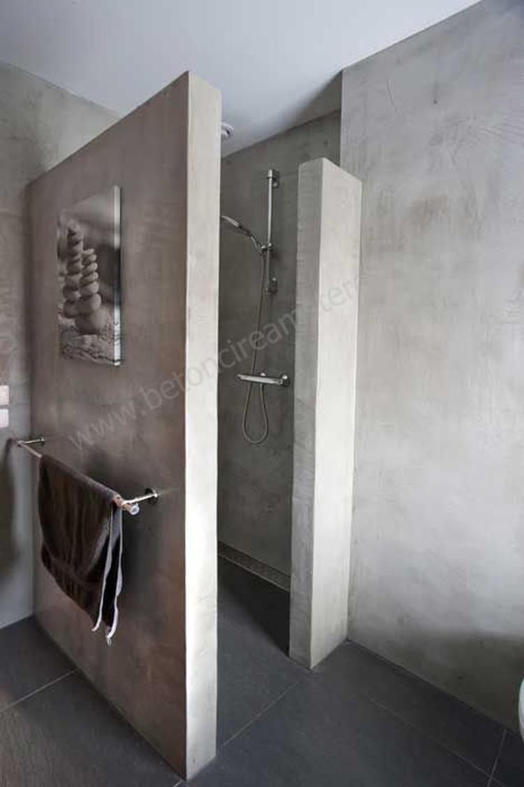 Mooie betonlook in de badkamer. Foto geplaatst door ...