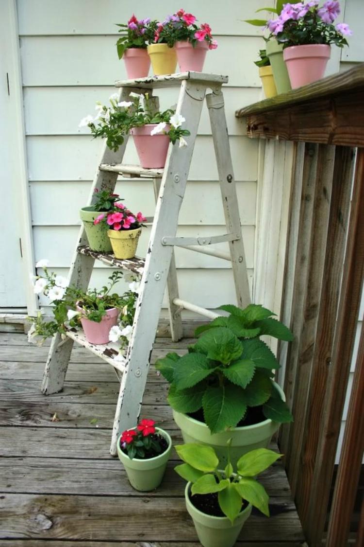Robuuste Houten Ladder.Mooie Houten Ladder In De Tuin Foto Geplaatst Door Suuuzann Op