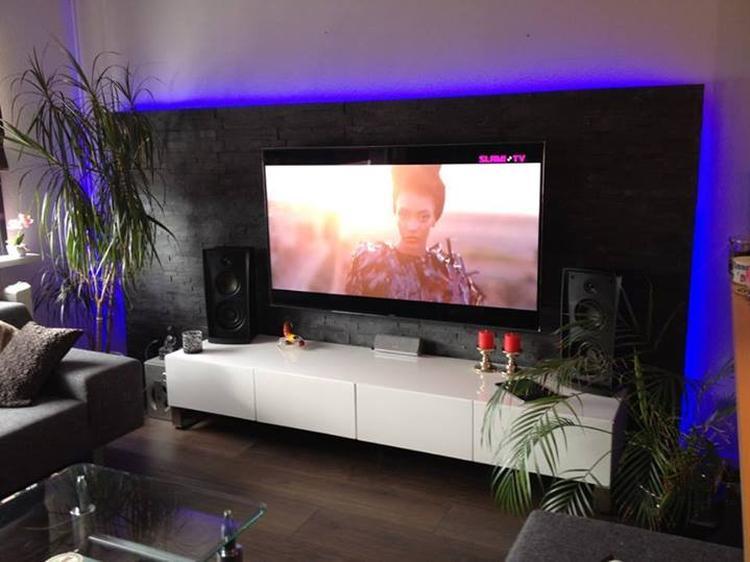 https://cdn4.welke.nl/cache/crop/750/auto/photo/17/95/58/Tesu-steenstrips-gecombineerd-met-LED-verlichting-Leuk-idee.1403082519-van-steenstripwinkel.jpeg