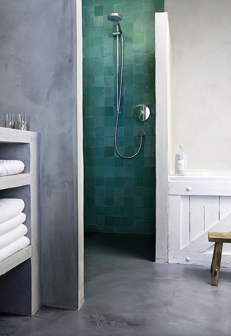 badkamer vloer \'glad\'. Foto geplaatst door MHap op Welke.nl