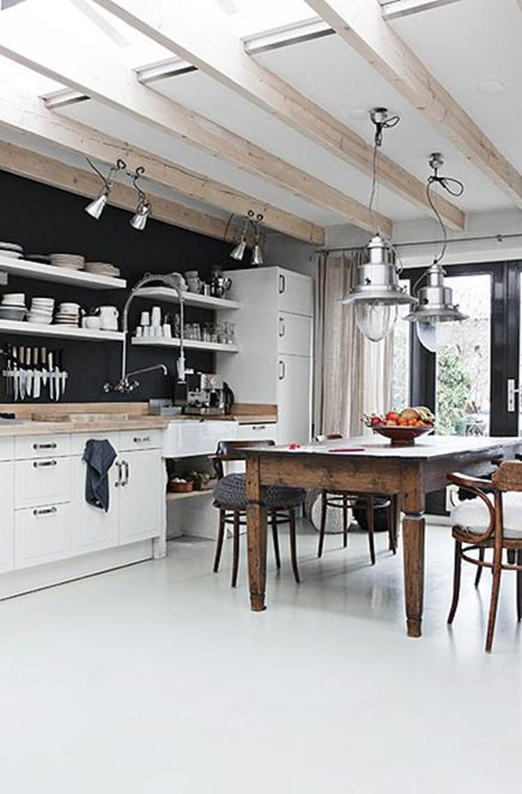Lichte keuken. planken ipv bovenkastjes.. foto geplaatst door ...