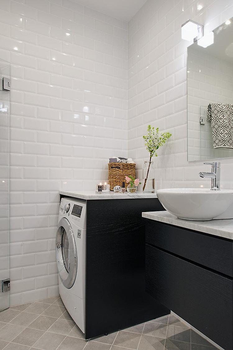 Mooi als de wasmachine in de badkamer staat. Foto geplaatst door ...