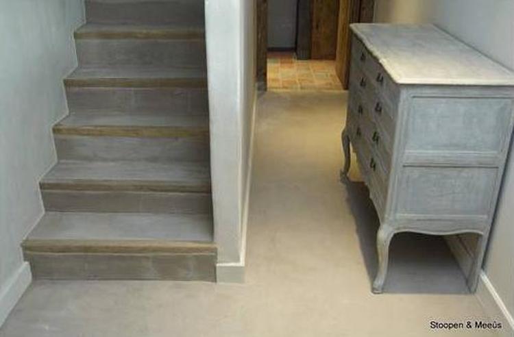 Trap cementlook stuc stoopen & meeûs has two types of stuc in