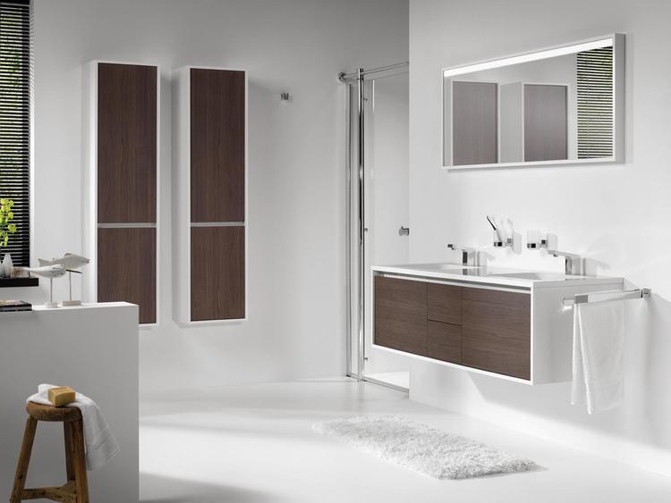 Warme Rustieke Badkamer : Lichte badkamer met warme houtaccenten wanneer je je badkamer
