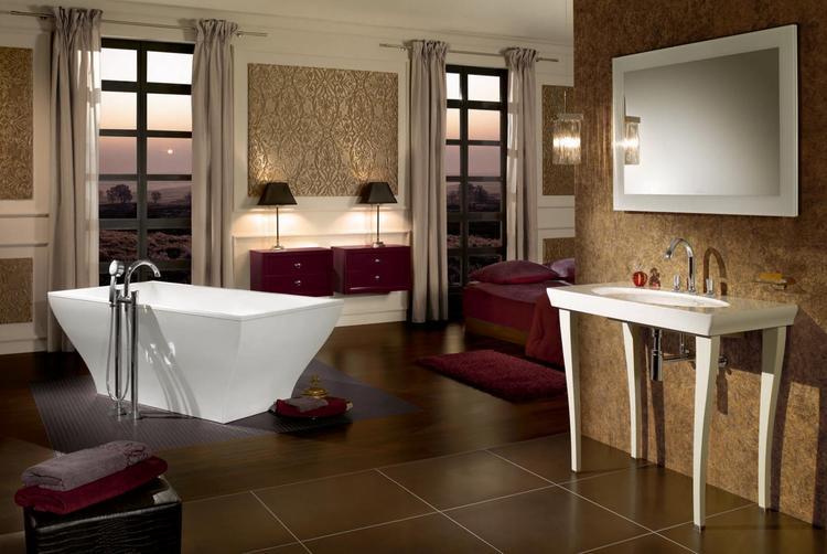 Nostalgische badkamer met moderne toevoegingen. Een nostalgische ...