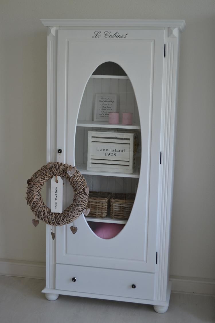 Vitrinekast Landelijk Wit.Vitrinekast In Landelijk Wit Foto Geplaatst Door Het Sfeerwinkeltje