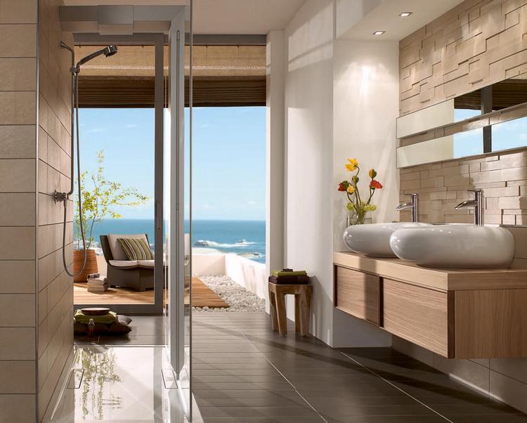 Badkamer met aardetinten. Deze natuurlijke badkamer heeft een mooie ...