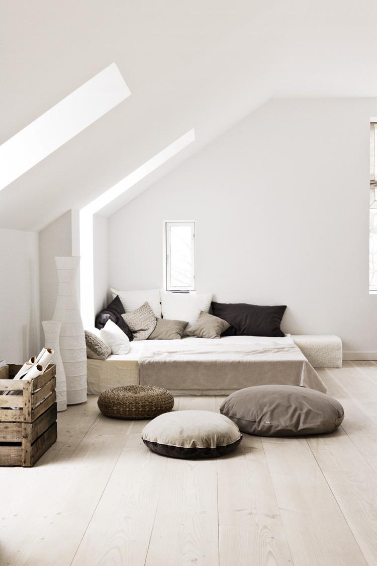 https://cdn2.welke.nl/cache/crop/750/auto/photo/19/07/36/Natuurlijke-slaapkamer-in-mooie-zachte-kleuren.1406291230-van-Ietje_yFzBwpo.png