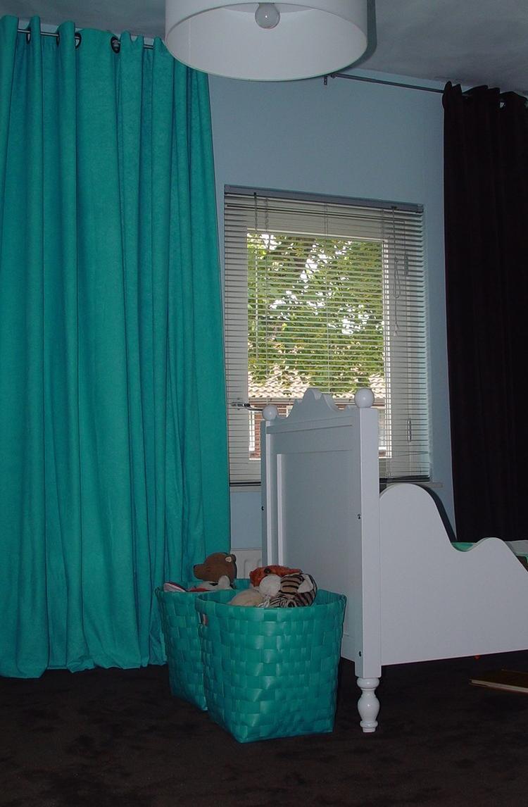 2 kleuren gordijnen. Foto geplaatst door cares op Welke.nl