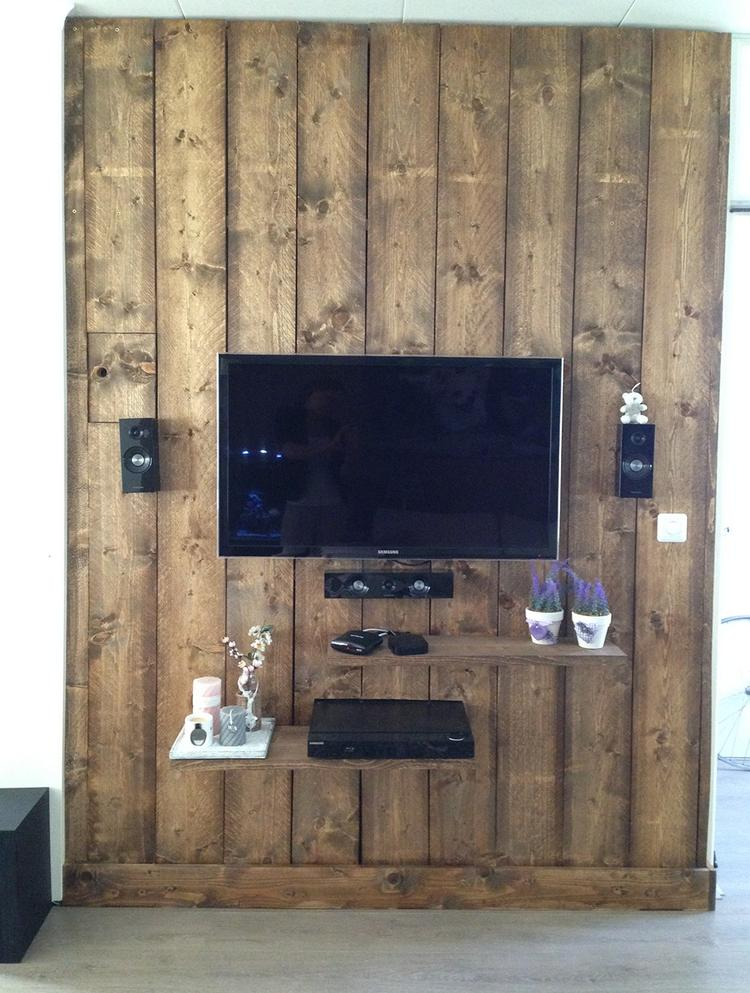 Steigerhouten wand voor meer ruimte in de woonkamer.. Foto geplaatst ...