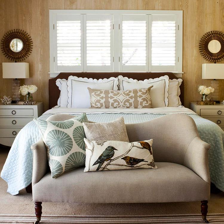 https://cdn2.welke.nl/cache/crop/750/auto/photo/19/24/5/Mooie-symmetrie-op-slaapkamer-met-gave-kleuren.1349957761-van-relax2reload.jpeg