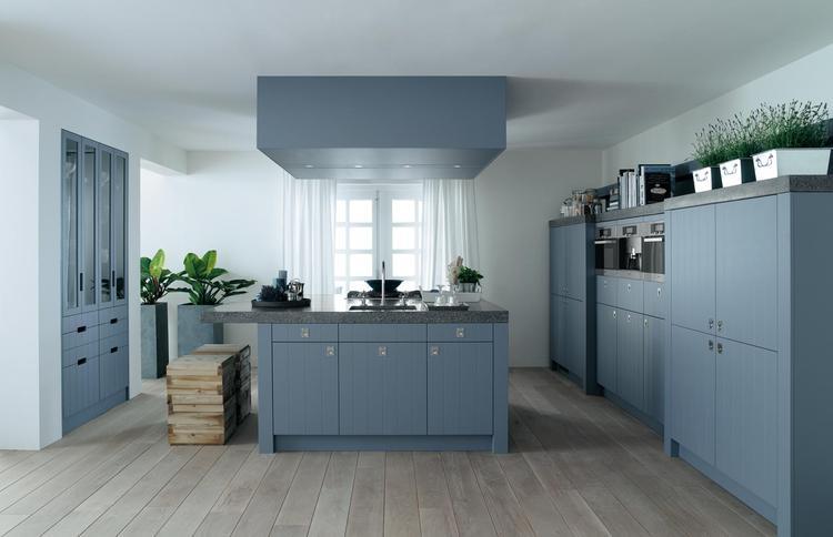 Open keuken in landelijk blauw hou je van kleur in de keuken dan