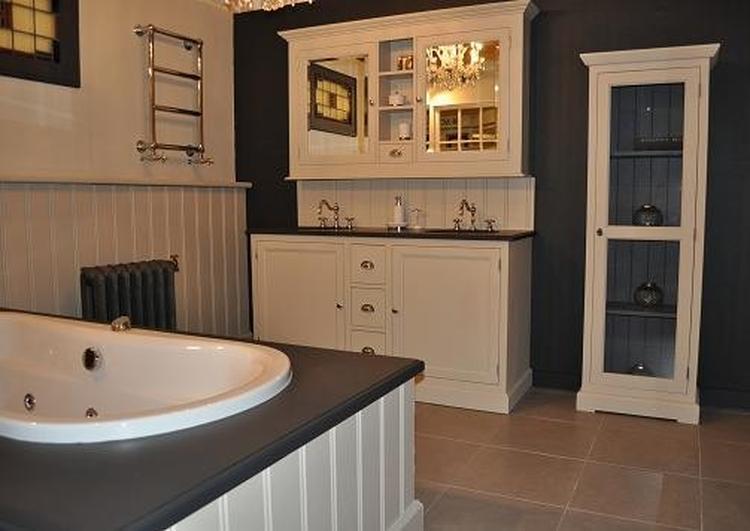 Badkamer Meubel Landelijk : Landelijk badkamer meubel cm met spiegelkast van heck