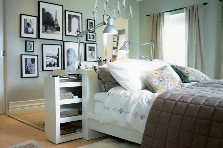 mooie mintgroene muur in de slaapkamer met zwart wit foto's en, Deco ideeën