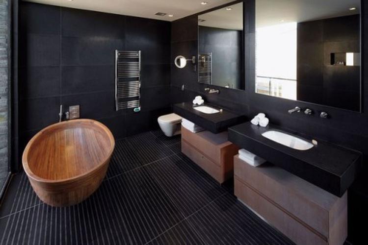 Mooie combi zwart, wit en hout in de badkamer. Foto geplaatst door ...