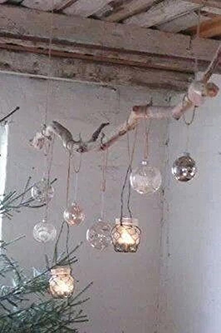Decoratie tak met theelichtjes, leuk en mooi sfeertje.. Foto ...