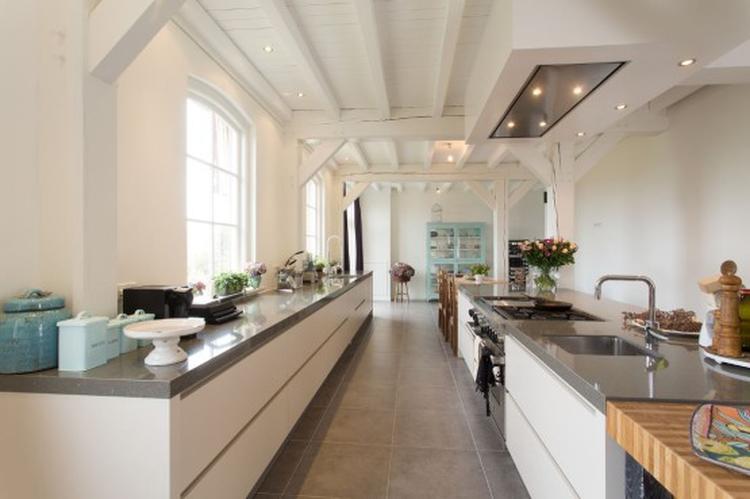 Hoogglans Witte Keuken : Van grijzen fronten naar hoogglans wit keuken renovatie top