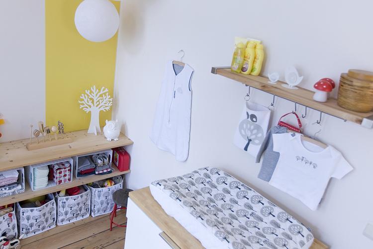 Babykamer Wit Grijs.Wit Grijs Geel Gecombineerd In Babykamer Foto Geplaatst