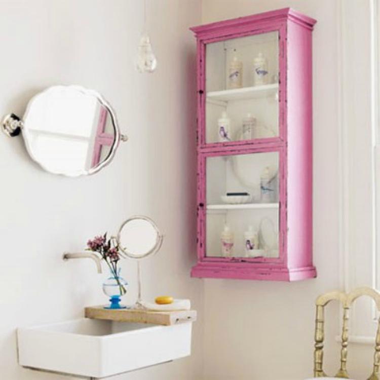 Kastje Voor In De Badkamer.Roze Geverfd Houten Kastje Badkamer Foto Geplaatst Door