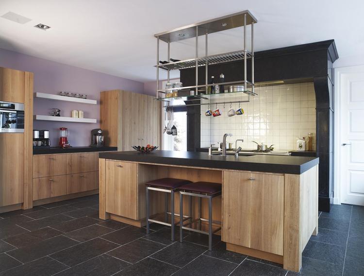 Landelijke maar moderne keuken met schouw. wanneer je kiest voor ...