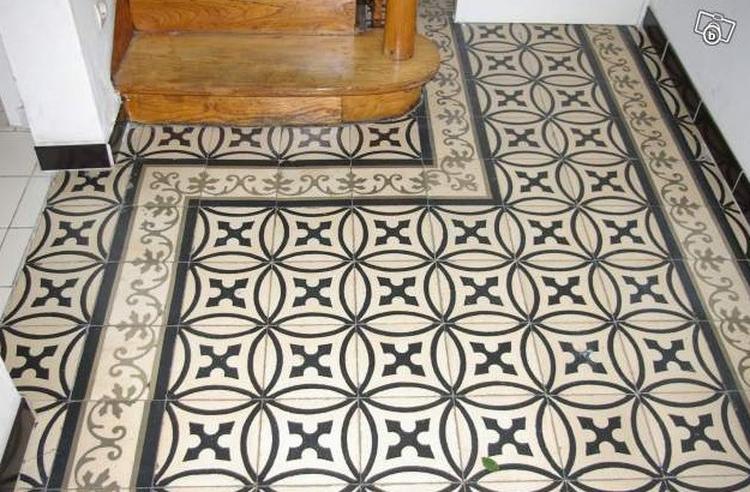 Zwart Wit Vinyl : Antieke vloertegels van floorz toegepast in een gang zwart
