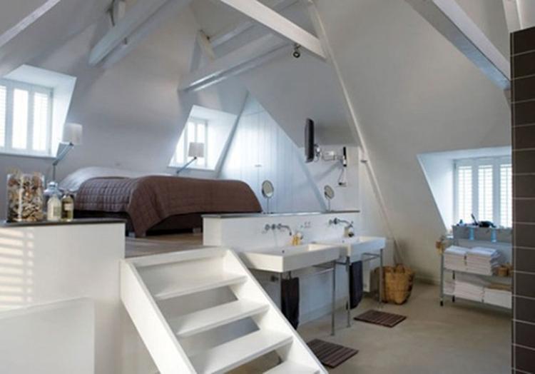 wat een mooie indeling voor een slaapkamer op de zolderetage!. Foto ...