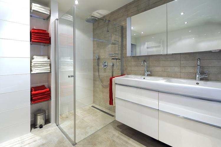 Badkamer Ideeen: Mooie Betegelde Muur. Foto Geplaatst Door Adj Op, Badkamer