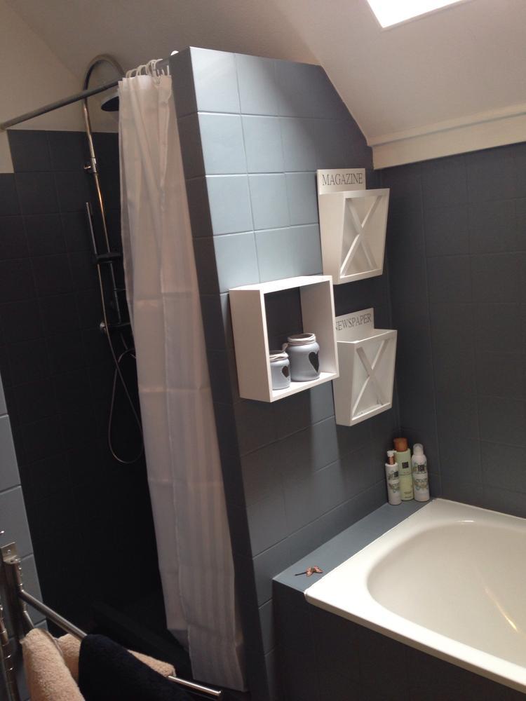 Betonverf over tegels badkamer - Oude badkamer ...