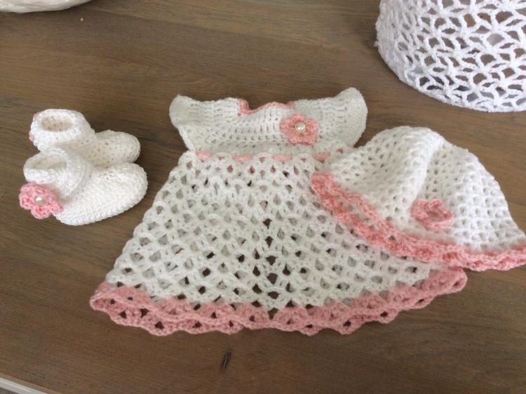 Haken Babyjurkje Mutsje En Sokjes Iets Andere Versie Dan De
