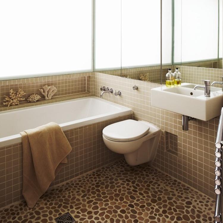 Kiezelvloer in de badkamer #badkamervloer. Foto geplaatst door ...