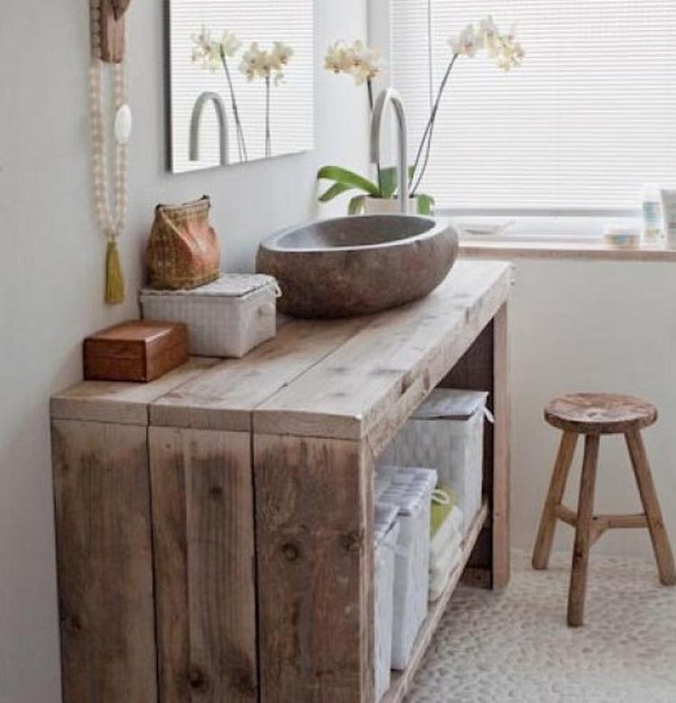 Badkamer met hout en natuursteen. Foto geplaatst door ...