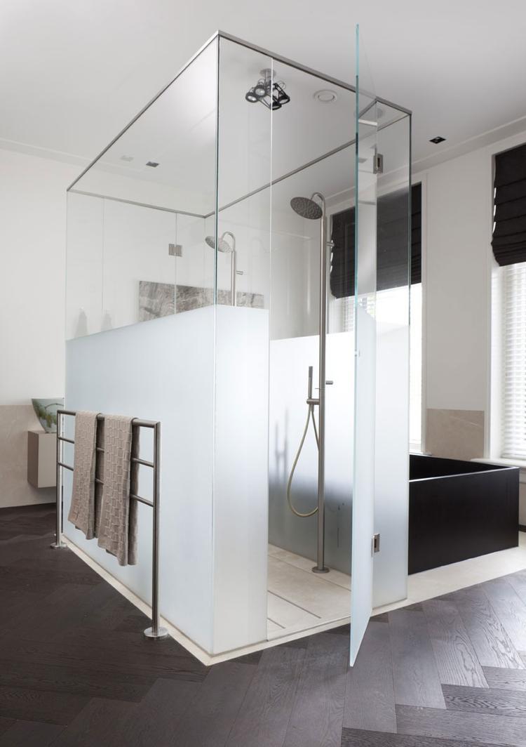 idee voor badkamer op zolder. Foto geplaatst door EefjeKes op Welke.nl