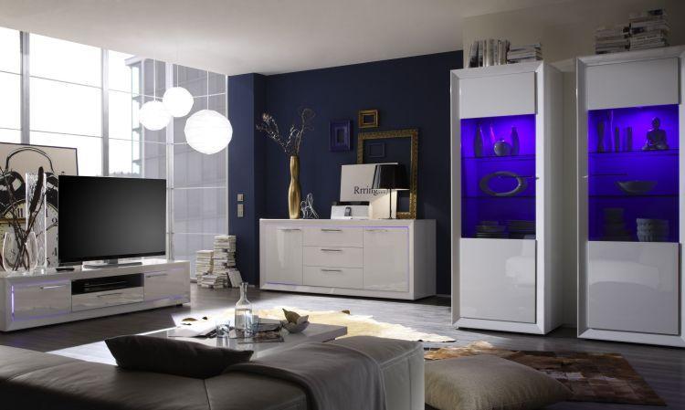 Mooie design woonkamer uitgevoerd in de kleur hoogglans wit, deze ...