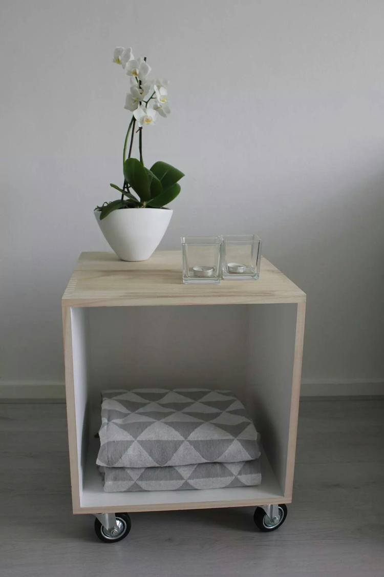 DIY: Kubus met houten buitenkant en witte binnenkant is van xenos ...