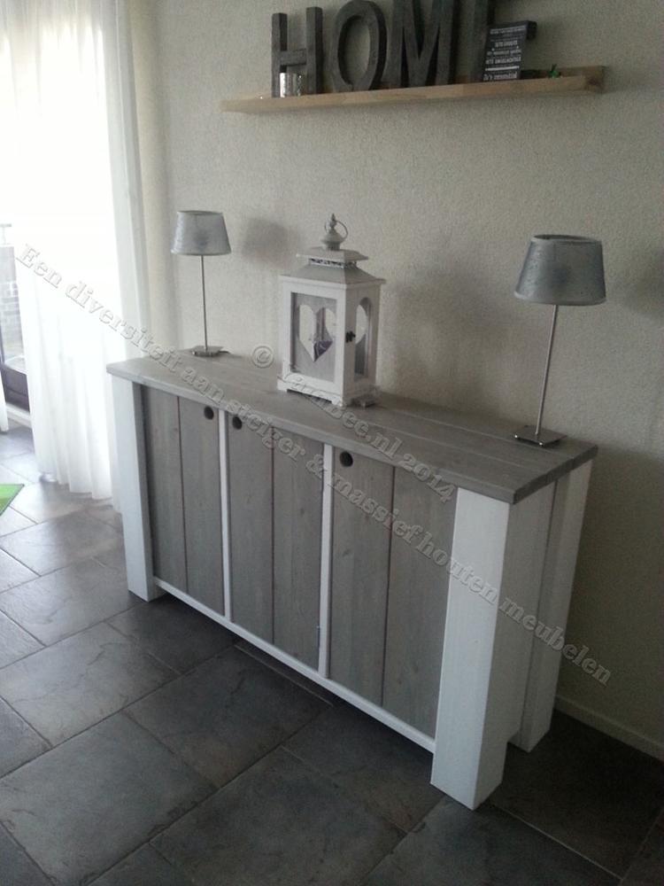 Steigerhouten dressoir kast in duo kleur met 3 deuren. Materiaal ...