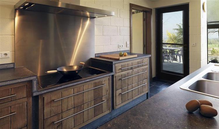 Massief Houten Keuken : Massief houten keuken foto geplaatst door dleeuwangh op welke