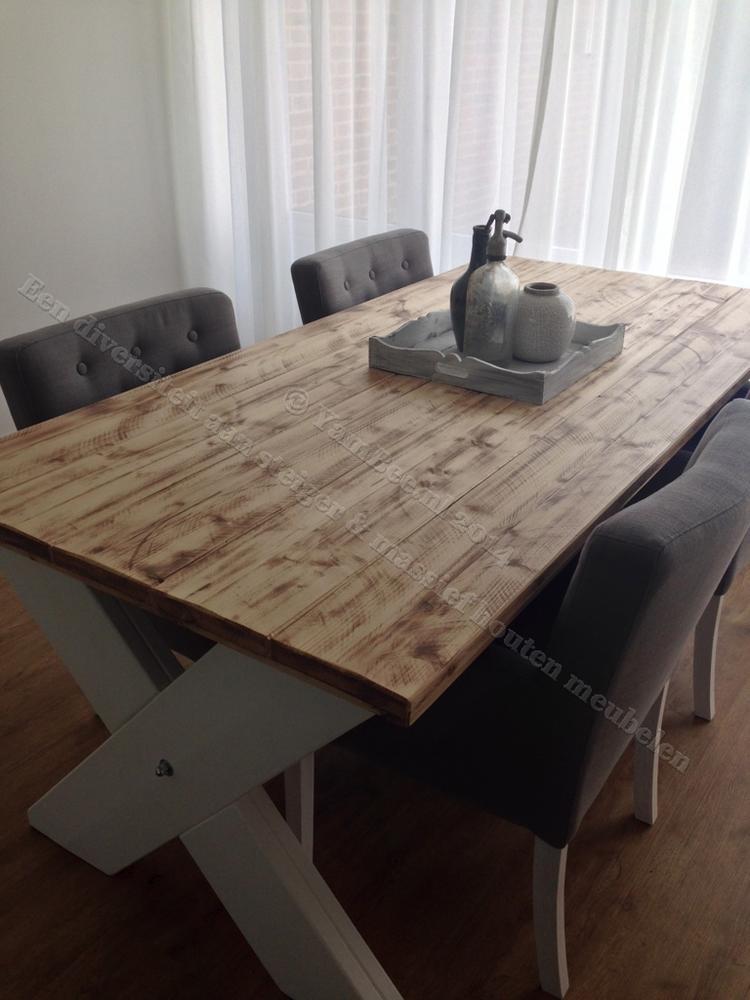 Mooie Steigerhouten Eettafel.Kruispoot Steigerhouten Eettafel Met Een Mooie Tafelblad Gemaakt