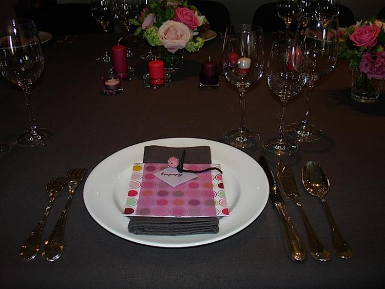 Feestelijke tafeldecoratie voor communie tafel decoratie