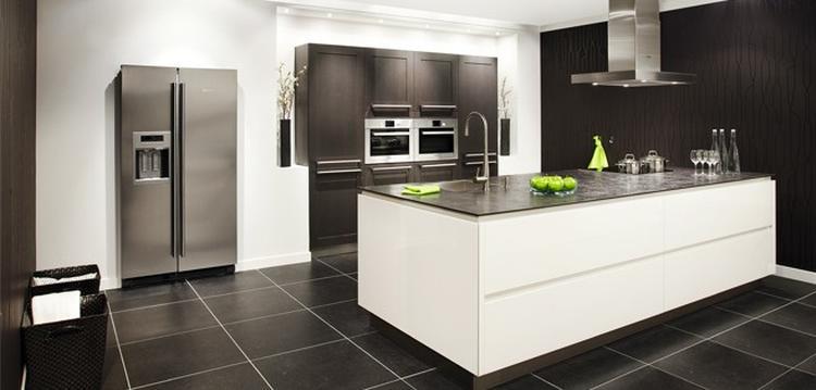 Keuken keuken met amerikaanse koelkast inspirerende foto 39 s en idee n van het interieur en - Moderne amerikaanse keuken ...