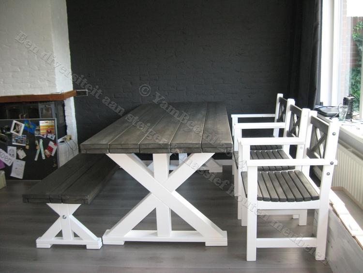 Stoere Steigerhout Meubelen.Een Stoere Steigerhouten Set Eettafel Met Bank Tafel Met Een Massief
