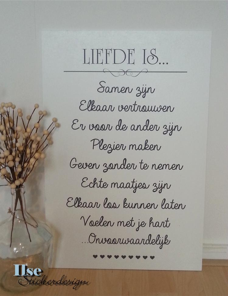 liefde is mooie tekst op houten bord (40 x 60 cm). leuk als