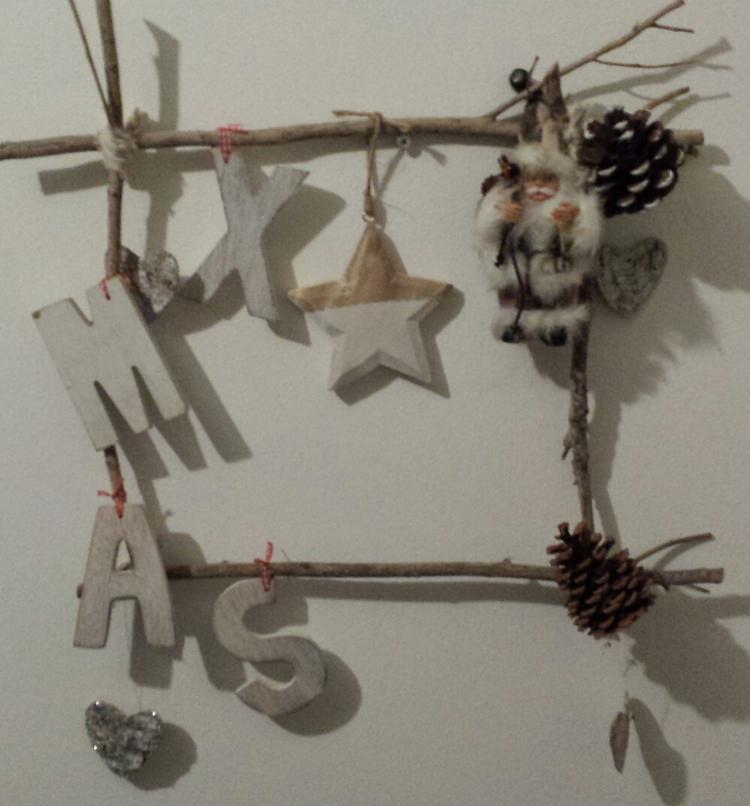 leuke kerst decoratie om zelf te maken voor in huis. foto geplaatst